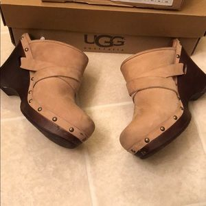 Ugg Clogs size 8